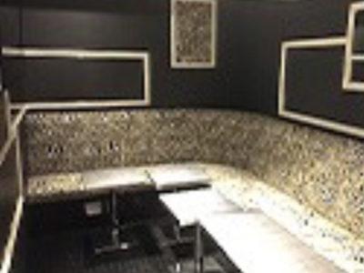 銀座のニュークラブ、アテネの店内画像