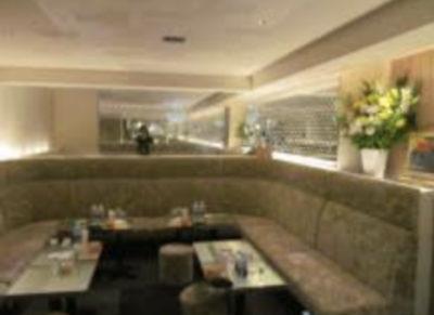 銀座のクラブ、セレブの店内画像